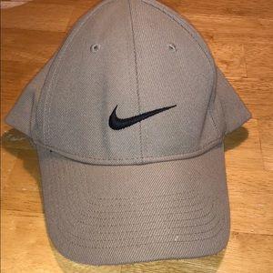 Khaki Nike cap
